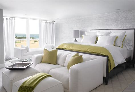 End Of Bed Loveseat by Ideal Furniture To Place At The End Of Your Bed Ideas 4