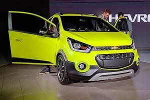 Activ Automobiles : general motors announces chevrolet essentia notchback beat activ for india at auto expo 2016 ~ Gottalentnigeria.com Avis de Voitures