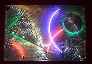 neon artist Tony Viscardi has created a beautiful neon