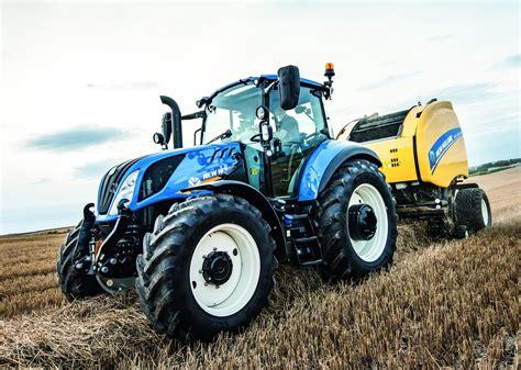 Le Case Ih Optum 300 Cvx élu Tracteur De L'année 2017
