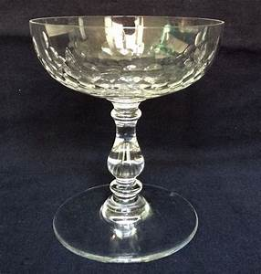 Coupe à Champagne : coupe champagne en cristal de baccarat mod le richelieu jambe balustre ~ Teatrodelosmanantiales.com Idées de Décoration
