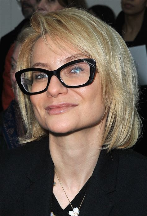 short hairstyles    glasses hairstyle