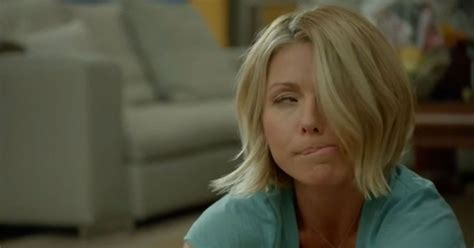 Kelly Ripa Gets Stoned Out of Her Mind on Broad City