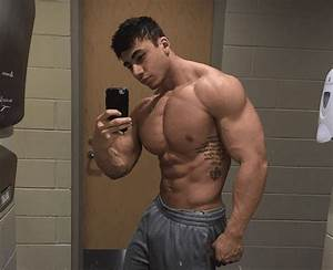 This 19 Year Old Bodybuilder Is So Big People Think He Is Photoshopped
