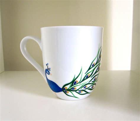 tassen bemalen fuer eine froehliche stimmung beim kaffee trinken