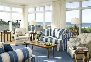Teppich Landhausstil Blau : landhaus sofas helfen dem wohnzimmer gem tlicher zu erscheinen ~ Markanthonyermac.com Haus und Dekorationen