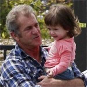 Mel Gibson Spends The Weekend With Lucia | Celeb Baby Laundry