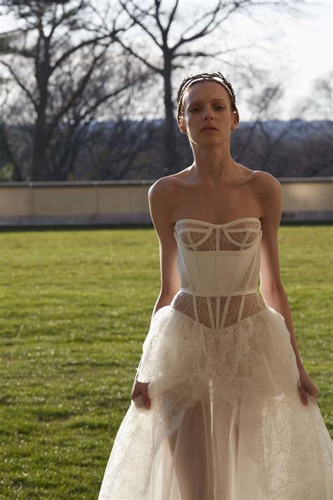 hochzeitskleider vera wang vera wang bridal 2017 collection vogue