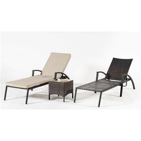 chaise longue resine tressee chaise longue résine tressée avec coussin beige foncé
