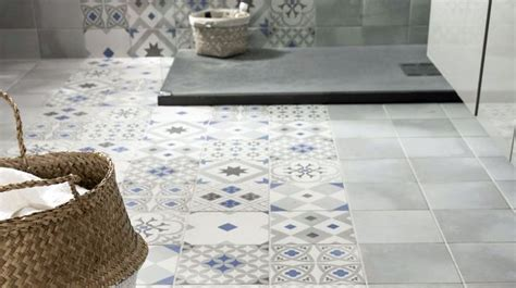 luxe carrelage salle de bain avec carrelage mosaique ancien 52 sur carrelage au sol de salle de