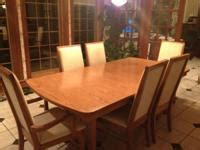 thomasville pecan dining room set table  chairs hutch
