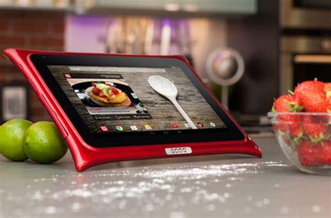 tablette cuisine qooq qooq une tablette à l 39 épreuve de votre cuisine darty