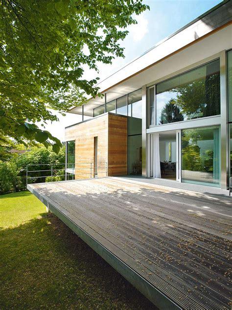 Modernes Holzhaus Am Hang by Kleiner Grundriss Am Hang Modernes Einfamilienhaus