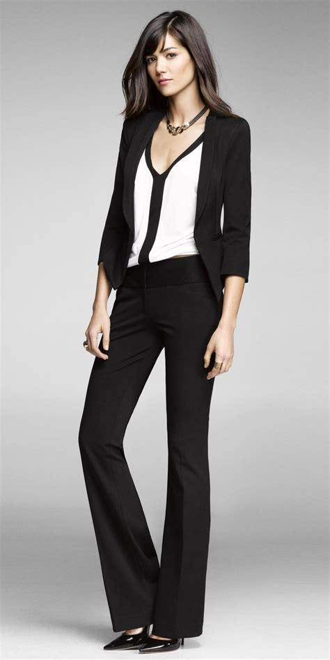 Picture Of chic black and white work outfits for girls 9
