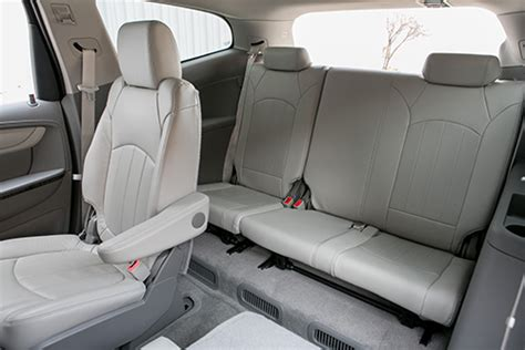 used honda pilot with captain chairs 2013 chevrolet traverse family checklist 24 cars blue sky