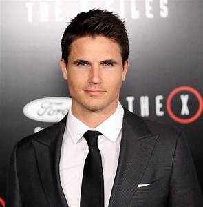 Robbie Amell Picture 56 - The X-Files Premiere Event