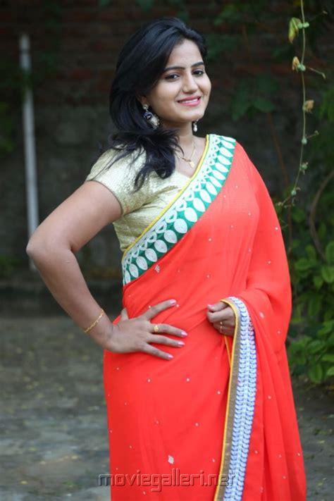 tanusha spicy hot actress hot saree hot navel hot cleavage