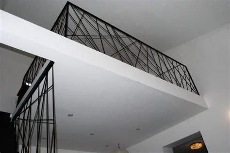 Escalier métallique design Toulouse rampe garde corps sur