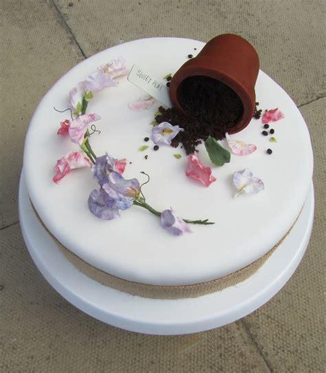 Gardening Cake   Frances Quinn