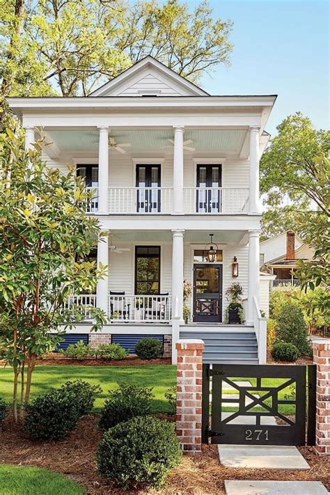 Southern Style Porches by Pretty Southern Style Two Story White House With Front