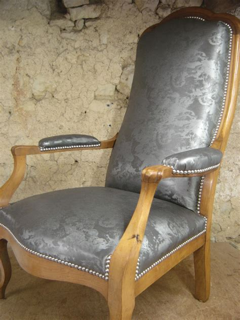 comment retapisser un fauteuil louis xv comment recouvrir un voltaire with comment recouvrir un voltaire il y a pourtant dans