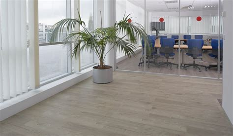 Kitchens Vinyl Flooring in Dubai & Across UAE Call 0566 00