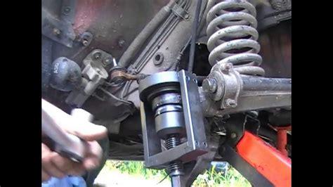 changement de rotule de suspension inférieure sur mercedes