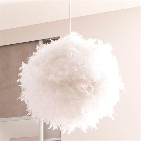 lustre en plume lustre 224 plume suspension blanche marchesurmesyeux