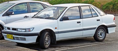 1992-1996 Mitsubishi Lancer (cc) Gl 5-door Hatchback