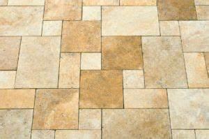 Terrassenplatten Reinigen Und Versiegeln : travertin terrassenplatten im aussenbereich reinigen ~ Michelbontemps.com Haus und Dekorationen