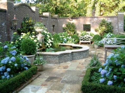 Mauer Im Garten Garten Idee Mauer