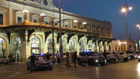 Ufficio Immigrazione Bari - in piazza moro controlli a tappeto di polizia di stato e