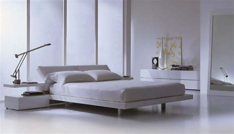 modern platform bed high gloss lacquer white  leather