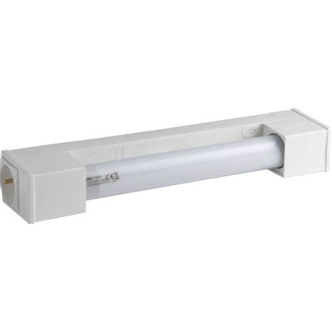 reglette cuisine avec prise luminaire salle de bain leroy merlin maison design bahbe com