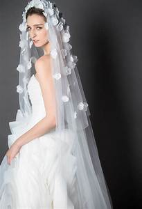 Scattered Flower Deco White Chpeal Length Bridal Veil Raw ...