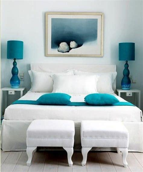 cr馥r une chambre dans un salon 1001 id 233 es pour une chambre bleu canard p 233 trole et paon