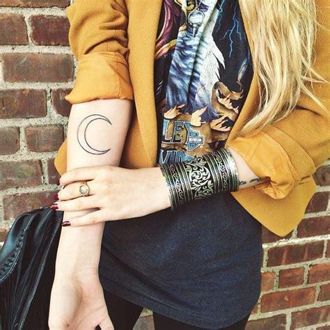 nicolealyse tattoo   healed  ideas tatts tatuajes de luna lunas tattoo tatuajes