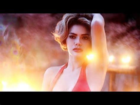 Unggah Foto Hot Dengan Pakaian Lingerie Nikita Mirzani