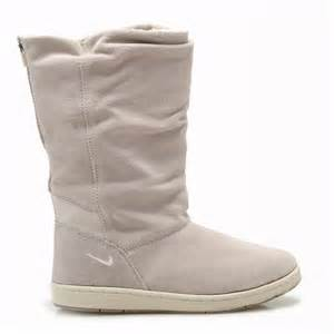 The  Nike Sneaker Hoodie Boots & Specials Women's Nike Winter Boots