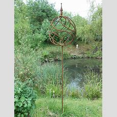 Metal Garden Sculpture Antique Style Rusty Metal Obelisk