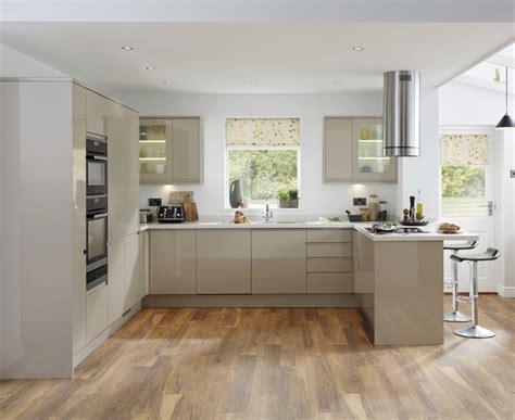 kitchen designs howdens bayswater gloss kitchen contemporary kitchens 1503