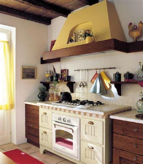 cucine con mensole cucina classica cucina rustica stile classico