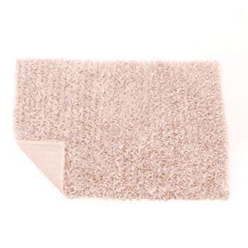 lc lauren conrad ruffle bath rug housebeautiful bedrooms rugs bathroom rugs ruffle