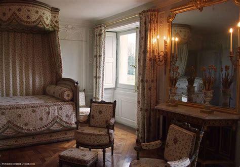 chambre de reine antoinette le petit trianon et le hameau de la reine