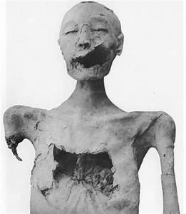queen nefertiti mummy