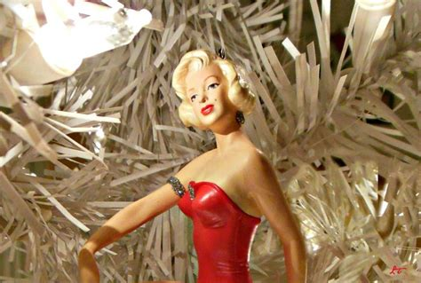 marilyn monroe christmas ornament my marilyn monroe photos pinte