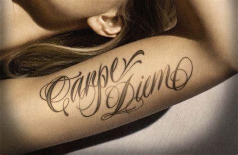 top  des modeles de tatouage ecriture pour femme