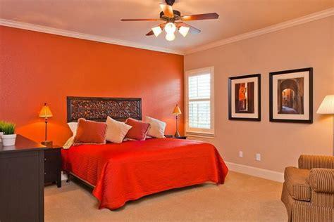 colore arancione pareti camera da letto