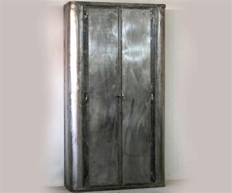 armoire vitr 201 e en acier armoires et mobilier sur galerie