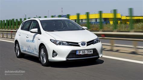toyota com toyota auris hybrid review autoevolution